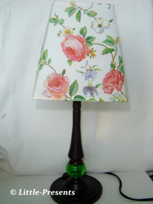 Romantische Rosenlampe im Landhausstil