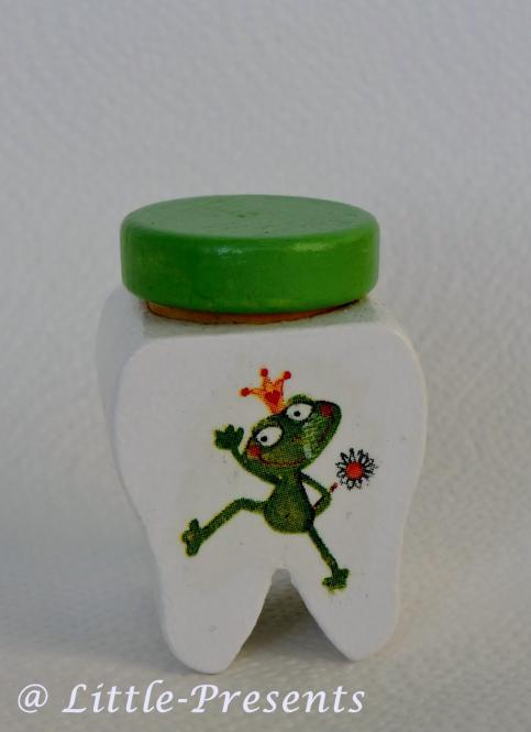 Zahndose fröhlicher Frosch