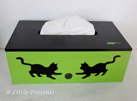 Tücherbox spielende Katzen, gemalt