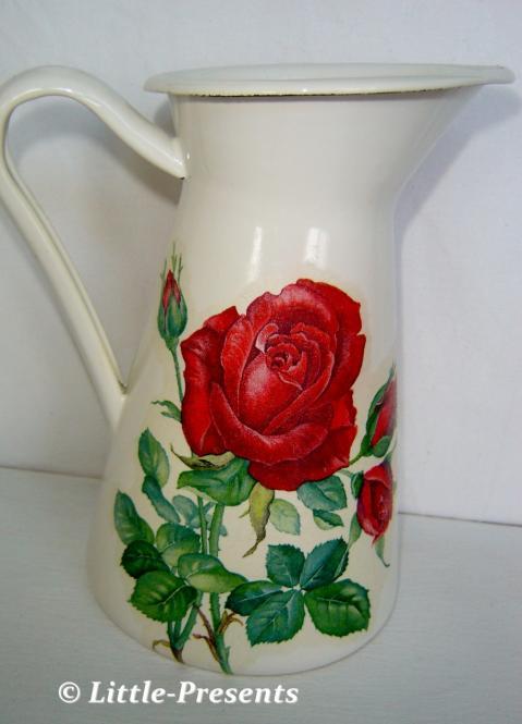 Kanne rote Rosen